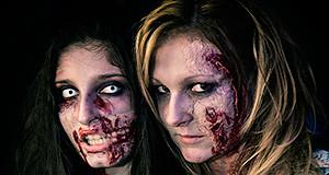 Due ragazze truccate da Zombie per la festa di halloween 2013 allo Smile Club di Donori