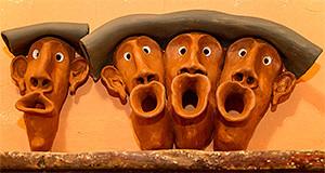 4 figuri in ceramicca fotografate a Ghirigori Artisti in opera - Settimo San Pietro - 7 Dicembre 2013 - ParteollaClick