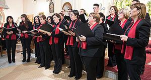 Coro polifinoco di Serdiana in azione alla rassagna dei Cori Polifonici Parrocchiali della Forania di Dolianova - Sinnai, a Donori, Nella Chiesa di San Giorgio Vescovo Domenica 5 Gennaio 2014