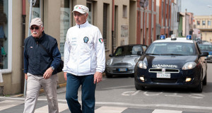 Parenti dei Brigadieri Enrico Zuddas e Candido Manca di Dolianova sfilano verso il Monumento ai Caduti in Piazza Brigata Sassari per la loro commemorazione in occasione deil bicentenario della fondazione dell'arma dei Carabinieri