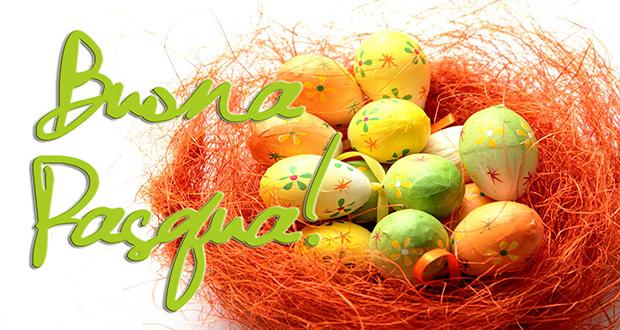 Auguri di buona pasqua con un nido di uova Pasquali