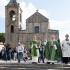 Foto del Vescovo Arrigo Miglio che Benedice i trattori presenti in Piazza San pantaleo in occasione della 65ª Giornata Nazionale del Ringraziamento - Dolianova - 15 Novembre 2015 - ParteollaClick