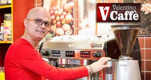 Foto a Valentino Serra nella sua Caffetteria a Dolianova - ParteollaClick Wedding e Valentino caffè - Dolianova - Febbraio 2016