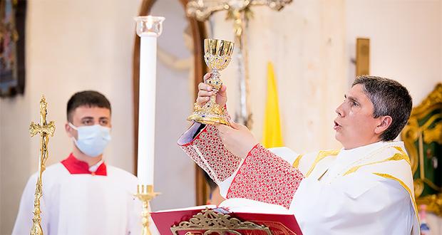 Foto a Don Fabrizio Pibiri per i 25 anni di sacerdozio - Donori - 22 Giugno 2021 - ParteollaClick